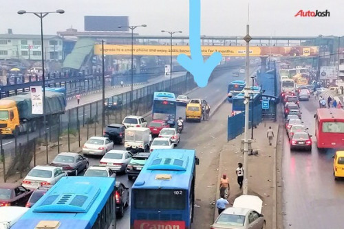 Illegal Parking Or Stopping Causes Traffic Hold-up On Roads In Lagos (PHOTOS)