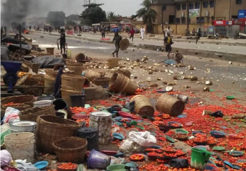 One injured, Lagos-Abeokuta Expressway shut down, as Yoruba, Hausa traders clash