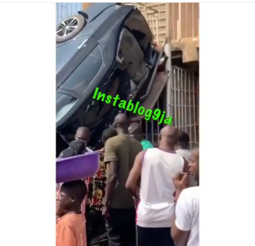 Car Crashes Into A Shop In Iyana Ipaja, Lagos After The Driver Lost Control