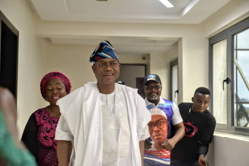 Prince Gbadegesin Ogunoye, Olowo Of Owo - Elect Bows Out Of Public Service