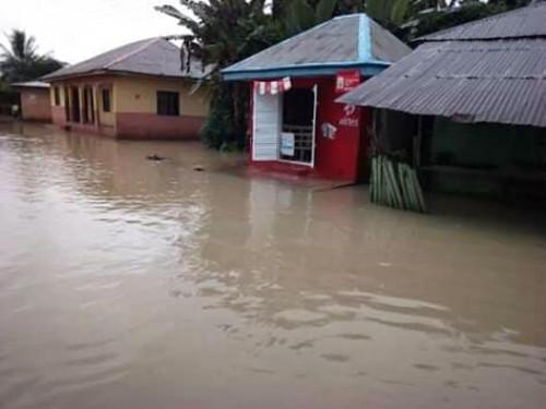 Flood Sacks Ugwueke, Abia Community, 500 People Displaced (Photos)