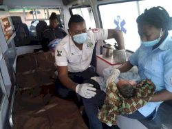 LASEMA response team helps homeless woman deliver her newborn baby safely (photos)